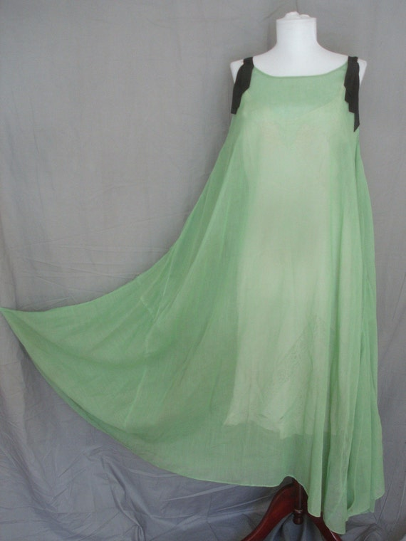 1920s Vintage Gown or Dress  in Green Cotton Lawn with Black Ribbon Straps Excellent Condition