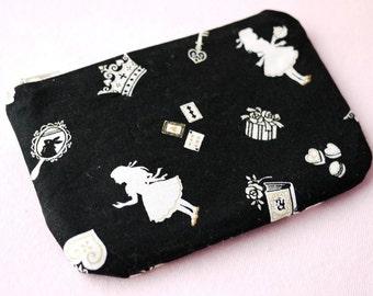 Alice In Wonderland Mini Zipper Pouch (Black)