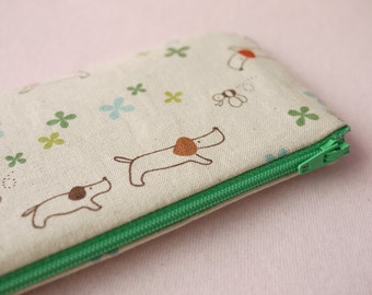 Dachshund and little bee pencil(pen) pouch