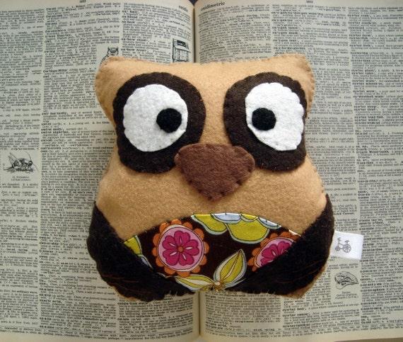 Flora the Owl Plush