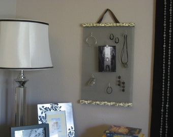 Hanging Jewelry Organizer in Brown Leaves