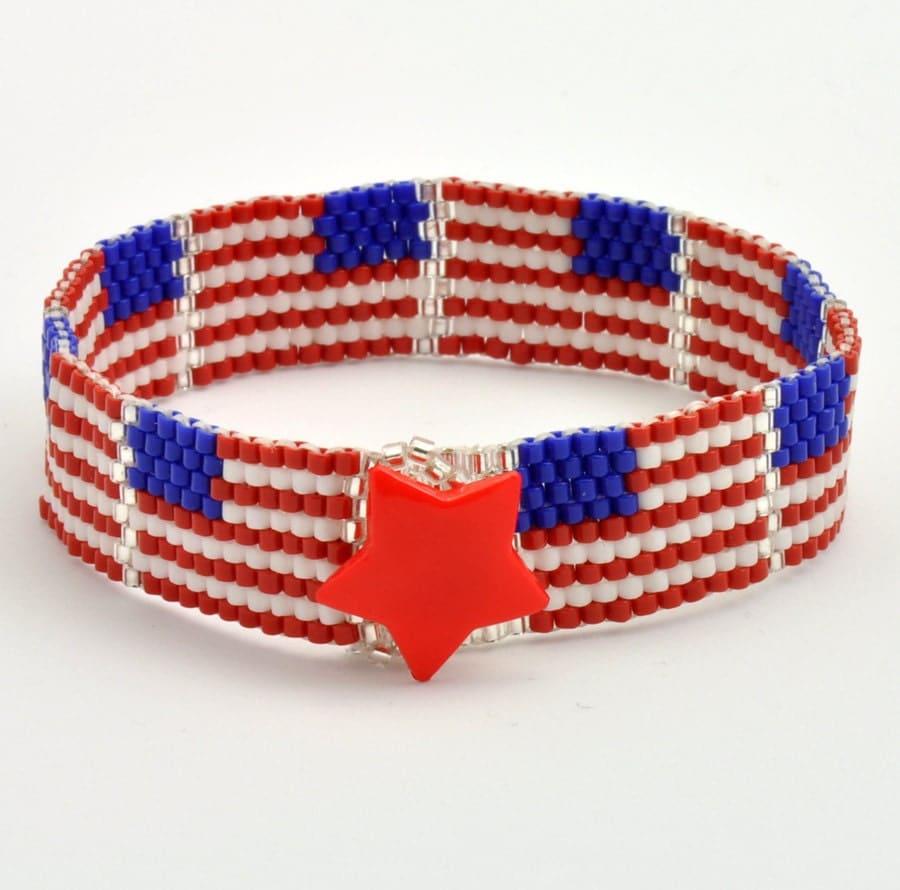 Tutorial bead jewelry pdf pattern u s flag peyote bracelet for Patriotic beaded jewelry patterns