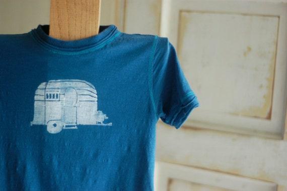 6T Blue with White Organic Airstream T-Shirt
