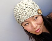 Wood button toque , chunky knit