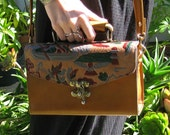 Egyptian Motif Retro Box Bag. Crossbody Bohemian. Golden Brown Leather. 70s Vintage.