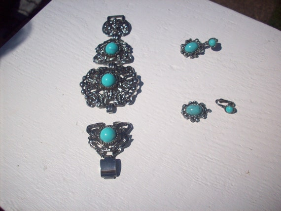 Broken faux turquois jewelry for your project