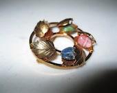 Vintage Gold tone Circle Brooch / Multicolored Stones Brooch / Circle Brooch