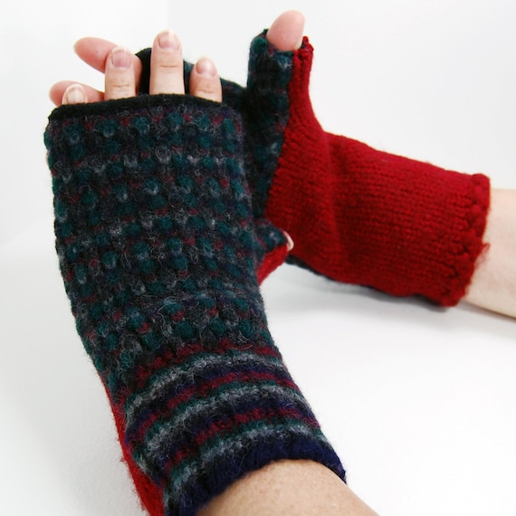Fingerless Gloves in Cranberry Forest - Recycled Wool - Fleece Lined