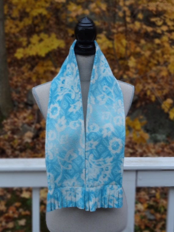 Girls Blue and White Floral Print Fleece Scarf