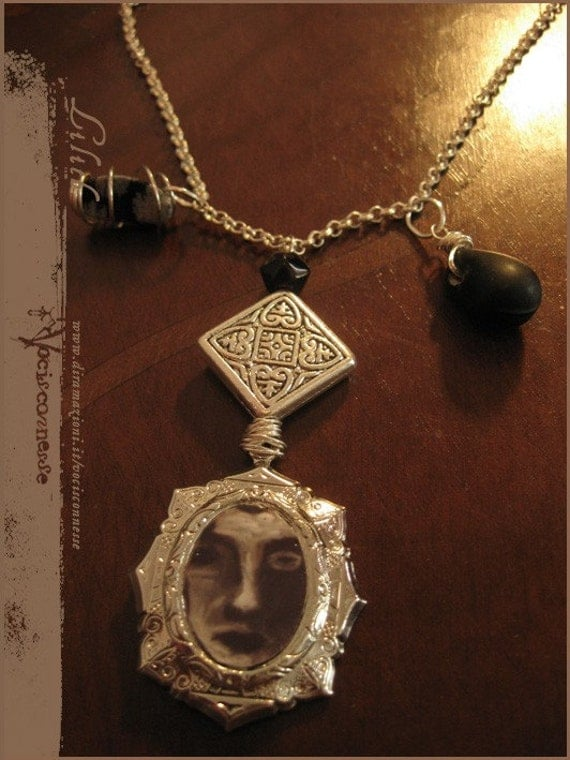 lilith cameo necklace illustrated jewelry by vocisconnesse