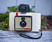 2 Polaroid Land Cameras