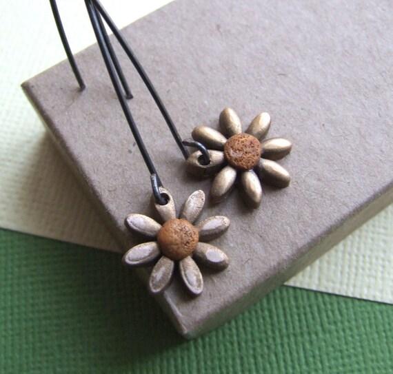Tiny bronze daisy earrings