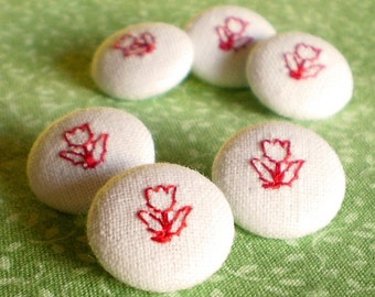 Fabric Buttons - Red Tulips Embroidery on Beige - 6 Small Fabric Floral Covered Buttons, Red Flower, Embroidered Buttons, Sewing, Knitting