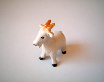 Little White Ceramic Goat: vintage style, mini animal, ceramic animal, tiny animal, little animal, decoration, miniature animal, mini, small