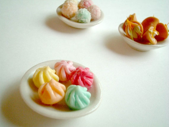 Dollhouse Miniature Polymer Clay Food: Thai Sweets on a Ceramic Plate - clay dessert, miniature food, miniature cake, little, tiny, magnet