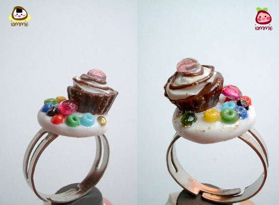 Cupcake Ring, Whip Cream Clay Ring, adjustable, polymer clay, miniature, food, bead, mini, tiny, candy, colorful, girl, crown, iammie