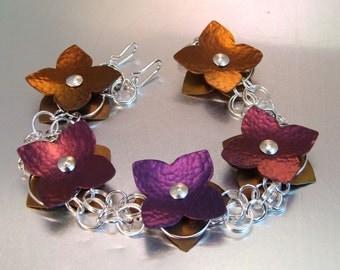 FLOATING FLOWERS BRACELET