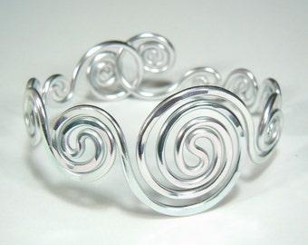 Spiral Waves Bracelet