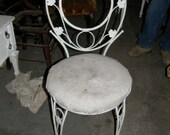 4 chair s wrought iron garden patio vintage rusty chippy white shabby chic