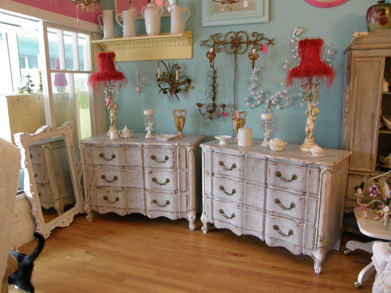 amazing pair 2 dresser s french country shabby chic nightstand. Black Bedroom Furniture Sets. Home Design Ideas