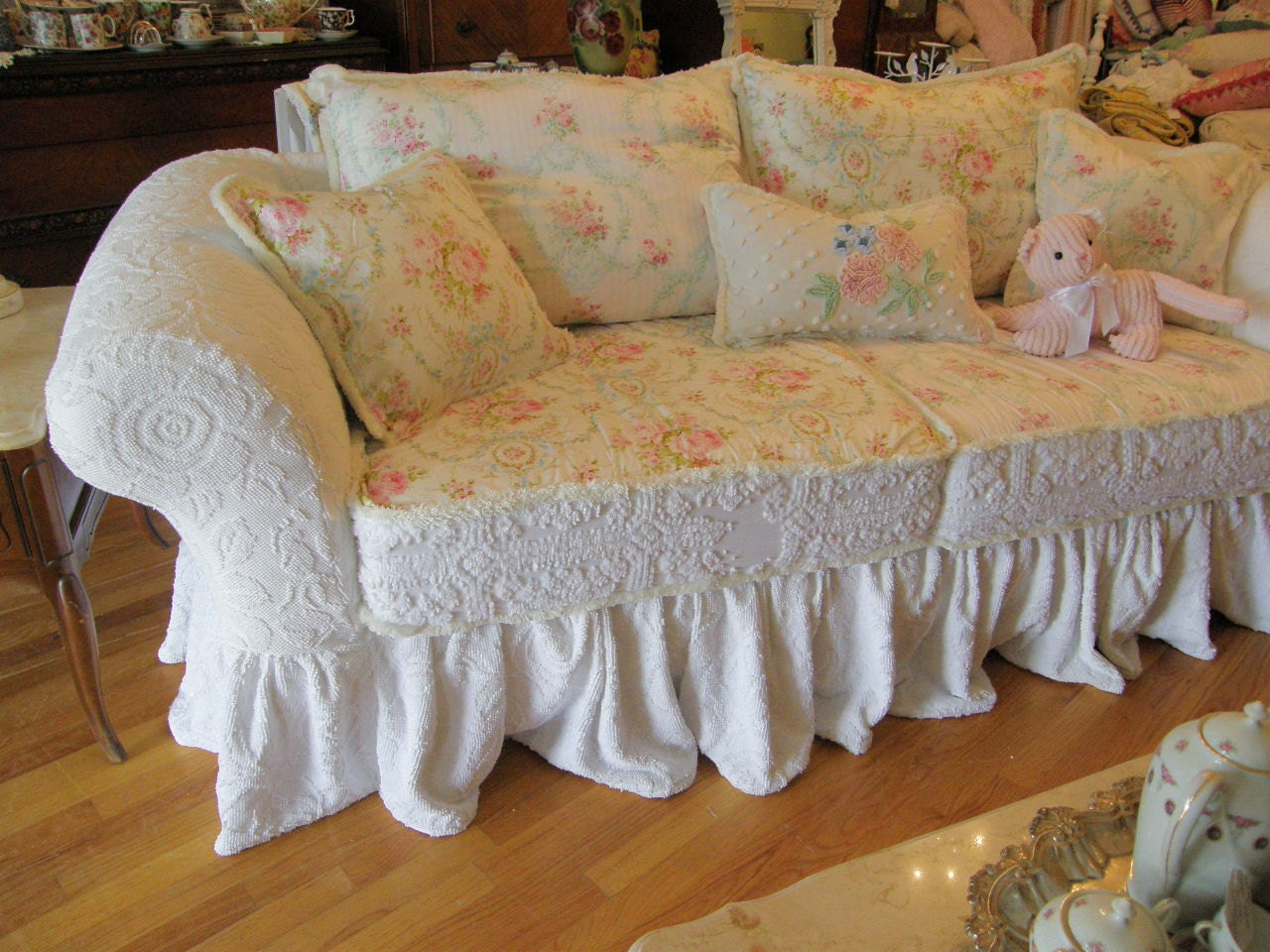 custom shabby sofa chic chenille bedspread by vintagechicfurniture. Black Bedroom Furniture Sets. Home Design Ideas