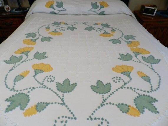 Vintage Twin Pop Corn Chenille Bedspread