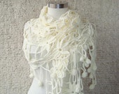 EXPRESS DELIVERY  Ivory Margrit  Flower Triangle Shawl - For her mom gift