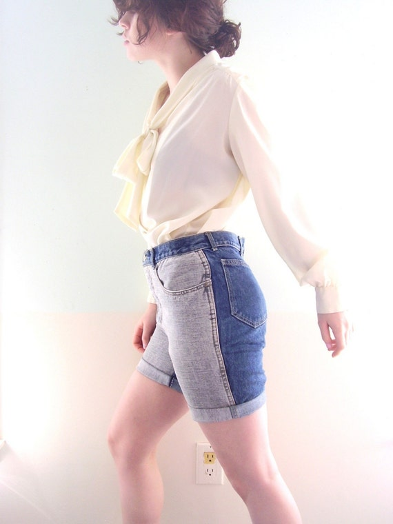 Vintage 80s Two Tone Denim 5 Pocket Cut Off Jean Shorts 28/29
