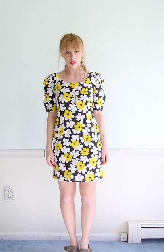 Sunshine Day 60s SS Floral Daisy Printed Puff Shoulder Mini Dress SMALL