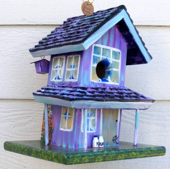 Birdhouse Handcrafted and Handpainted