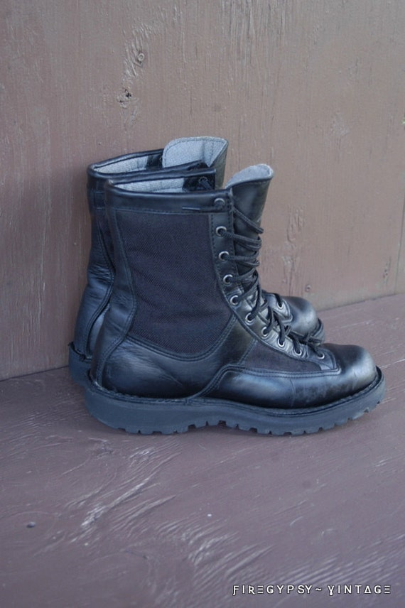 Danner combat boots size 9 womens size 7.5 mens