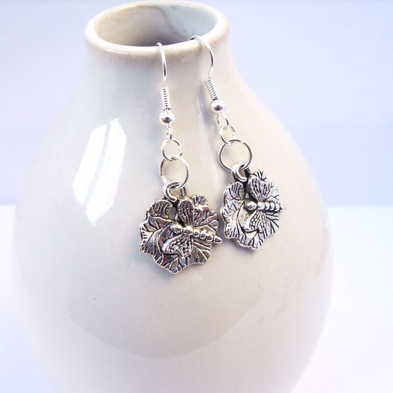 Dragonfly on Leaf Earrings - Silver - Modern UK Jewellery at Hinniemune - International Shipping
