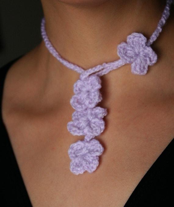 Crochet Flower Necklette