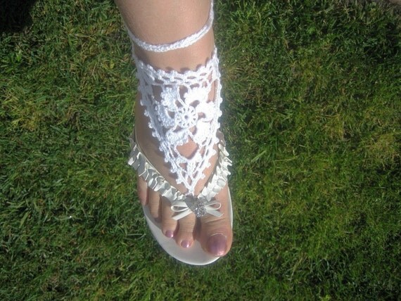 Barefoot lace sandal, hand crocheted, new, white, fine thread, white, summer fashion