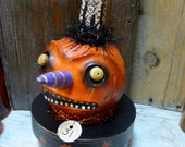 Vintage Style Halloween Grimmacing Pumpkin Treat Box