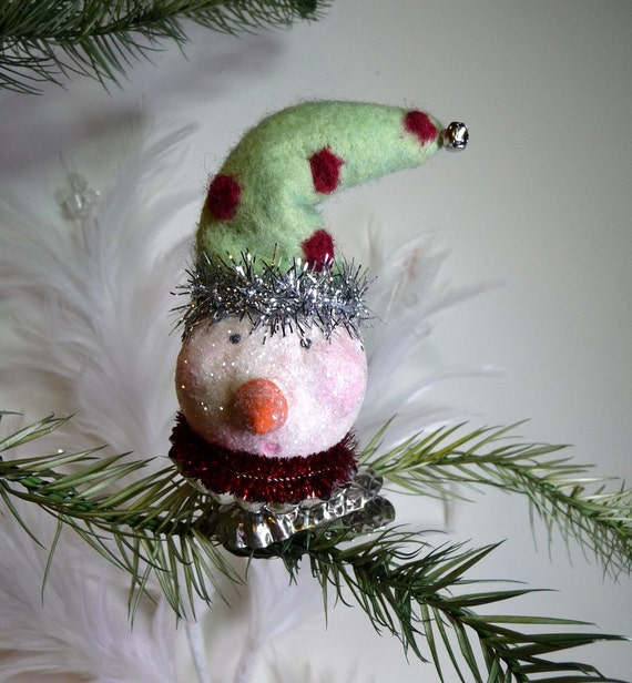 30 % Off Boxing Day Sale - Vintage Style Wool Felted Hat Sugary Snowman Clip