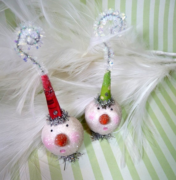SALE Use 30 % OFF Coupon Code FIDDLE12 - Pair of Tiny Sugar Pie Snowmen Folk Art Feather Tree Christmas Ornaments