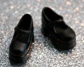 Blythe Black Platform Mary Jane shoes