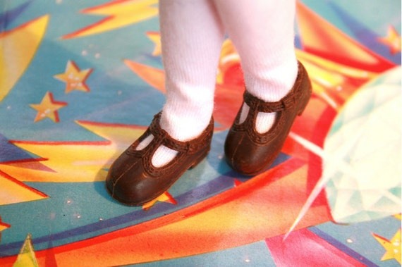 Blythe Dark Chocolate Brown T-strap Mary Jane shoes