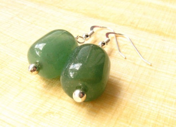 Aventurine Earrings : green earrings, aventurine earrings, silver earrings, beaded earrings, roman earrings, historic earrings