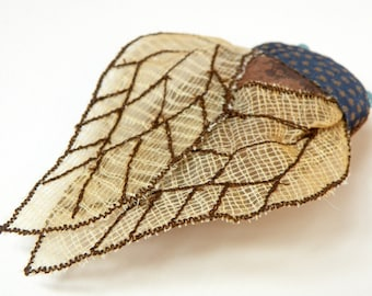 Cicada Statement Brooch Natural History Gift Woodland Fashion Accessory Gift idea for Her Nature Lovers Gift Fiber Art Luxury Gift
