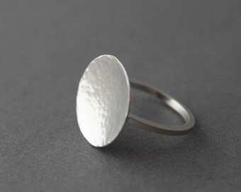 Big sterling hammered disc ring, Size 5.75 US - Ready to ship, Handmade