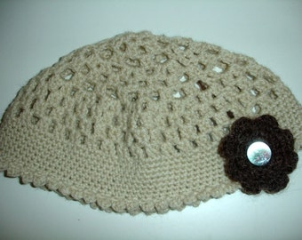 Cream beanie with flower - ready to ship