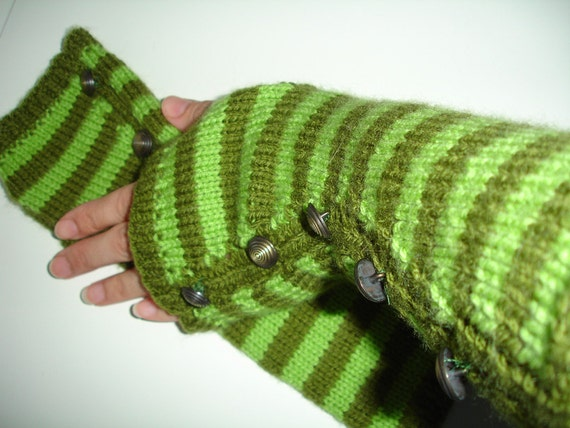 Custom knitted  fingerless gloves or armwarmers with buttons