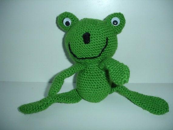 Amigurumi Green Frog : Crocheted amigurumi frog ready to ship