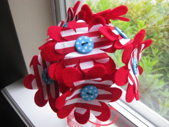 Cat in the hat inspired felt and fabric Bouquet