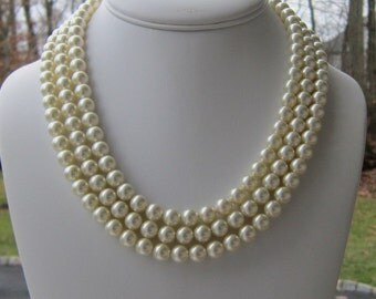 Chunky Pearl Necklace, Bridal Pearl Statement Necklace, Bridal Jewelry, Bridesmaids Gifts, Mother of the Bride Jewelry, Amandas Indecision