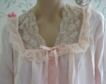 Barbizon Loren Vintage Pink Satiny Robe Lace Detailing Very Sweet Vintage Lingerie