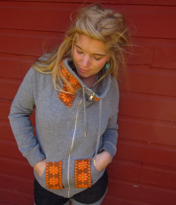 Eco Friendly Mountain Girl Gray Skies Wolf Print and Vintage Retro Trim Sweatshirt with Overszied Collar Size S/M