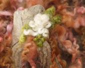 Tailspun with Flowers 22 yards Peachy
